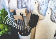 Porcelana i sztućce to nie wszystko - jakie wybrać akcesoria kuchenne?