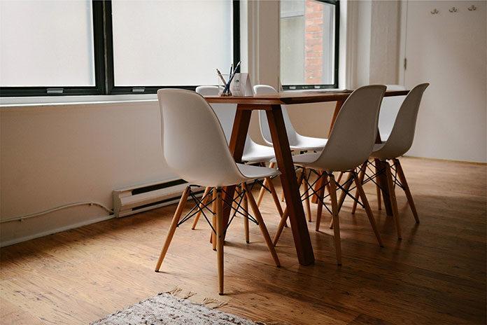 Krzesła w stylu skandynawskim - stylowe i wygodne