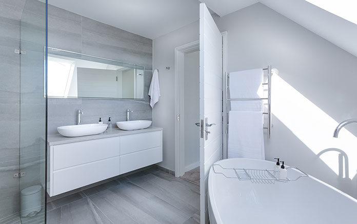Nowoczesne grzejniki dekoracyjne - poznaj najnowsze trendy w ogrzewaniu łazienek!