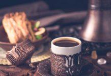 Eleganckie i praktyczne rozwiązanie - ława kawowa