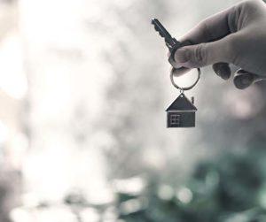 Praca agencji nieruchomości na wyłączność – korzyść czy sól w oku?