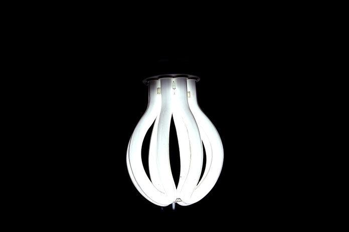 Jak wybrać najlepsze elementy oświetlenia dla domu i ogrodu